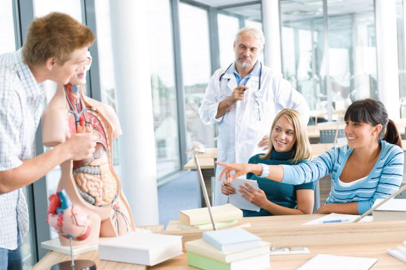 Clases prácticas de anatomía en cooperación con la prestigiosa UCAM ...